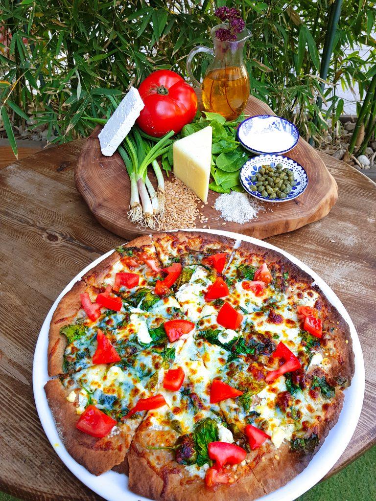 Пица с тънък, хрупкав блат от пълнозърнесто брашно с доставка до вкъши